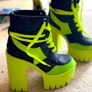 Boots Black& neon Dollskill